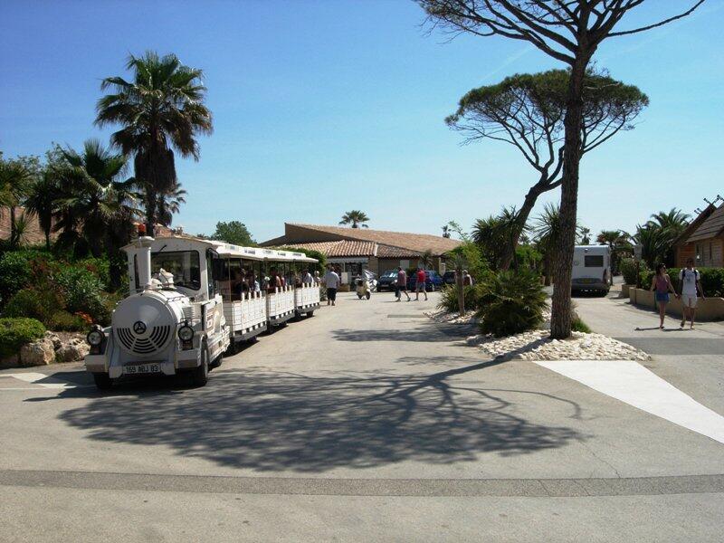Rental of mobil homes port grimaud in french riviera - Prairies de la mer port grimaud camping ...